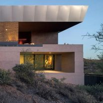 hidden-valley-desert-house-wendell-burnette-architectes-Bill-Timmerman-02