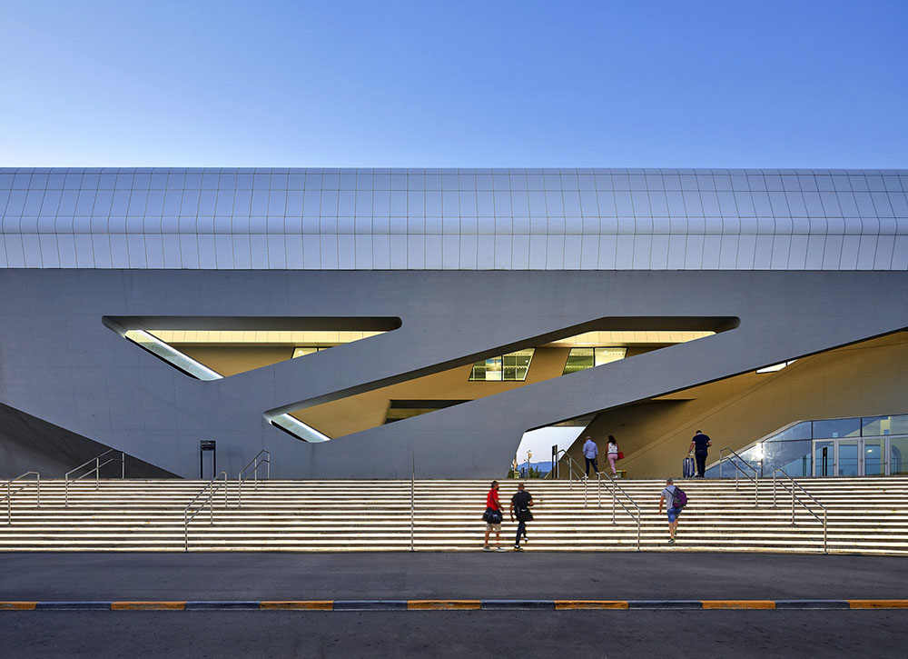 Napoli-Afragola-zaha-hadid-architects-Hufton-Crow-06