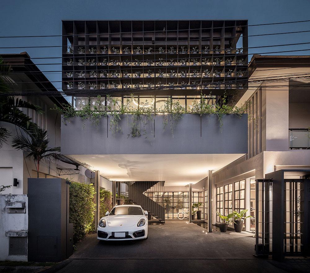 flower-cage-house-anonym-Ketsiree-Wongwan-01