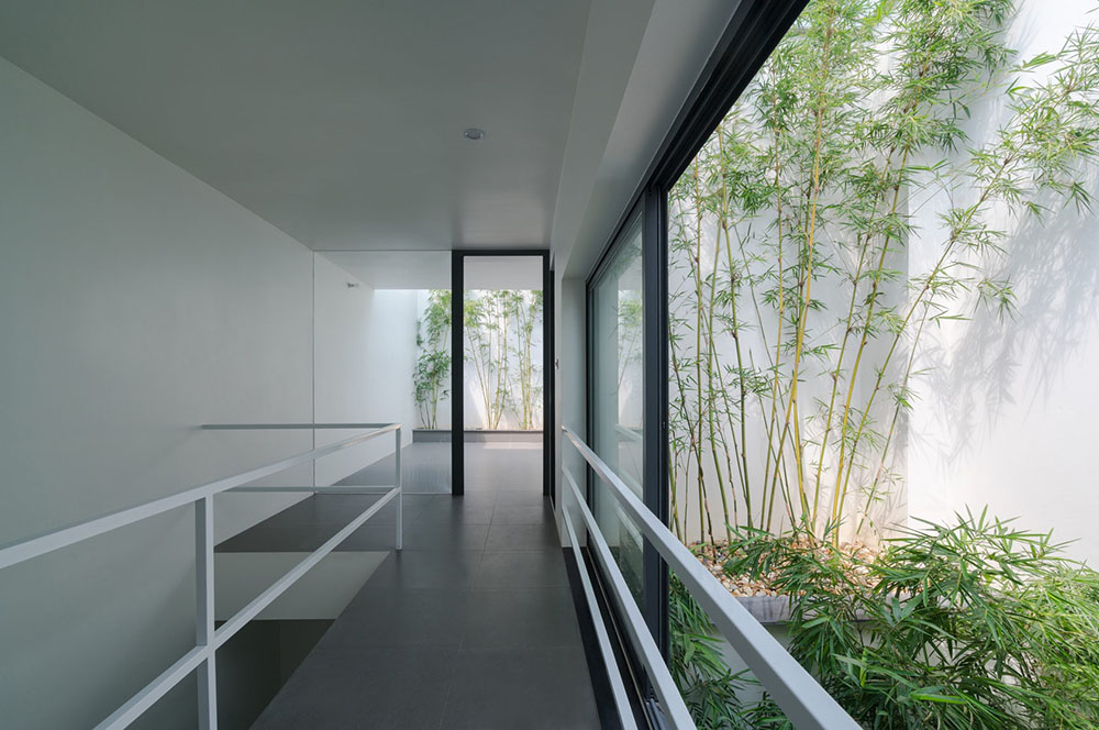house-in-trees-Nguyen-Khac-Phuoc-Architects-Trieu-Chien-04