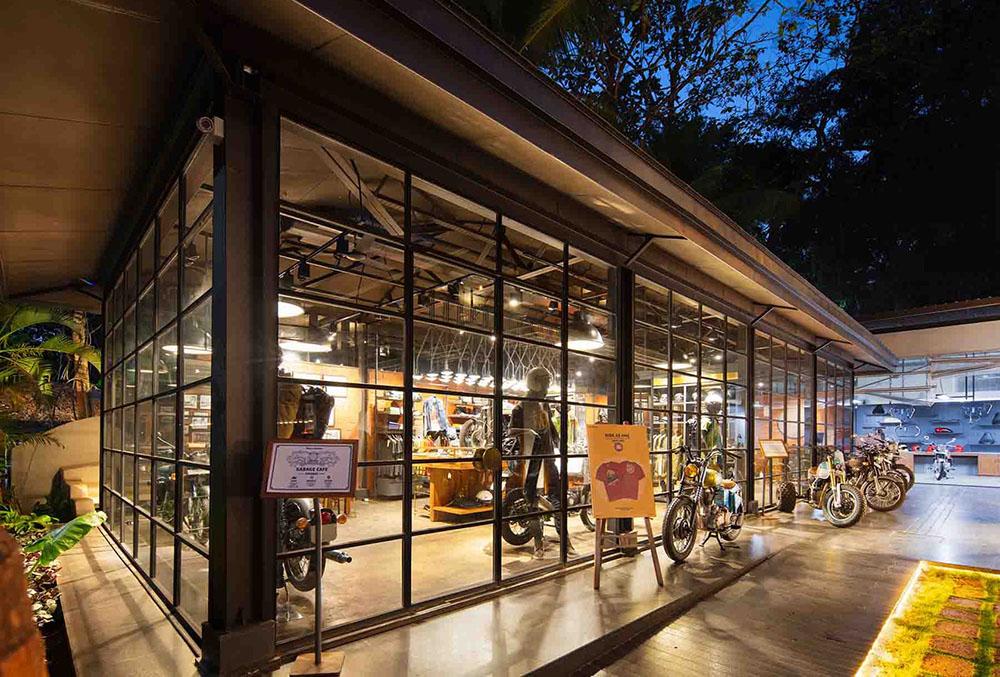 royal-enfield-garage-cafe-Studio-Lotus-AndreJ-Fanthome-02