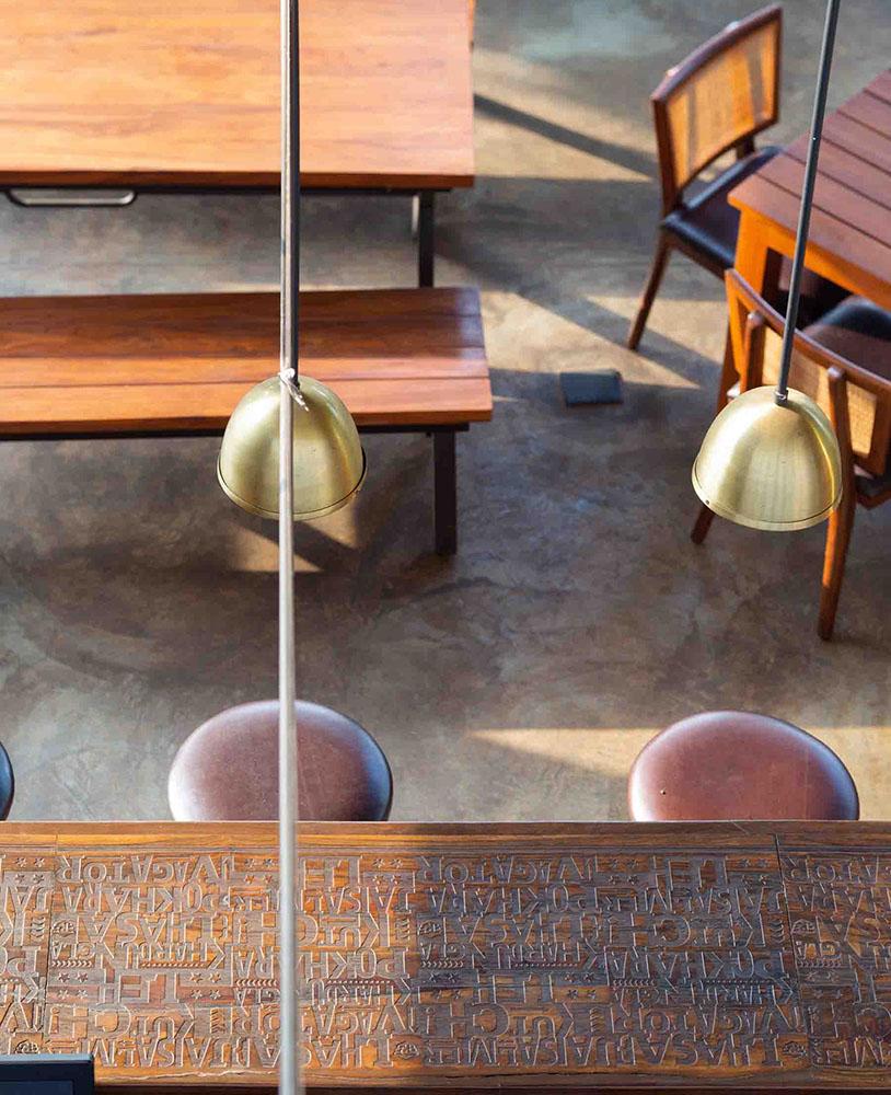 royal-enfield-garage-cafe-Studio-Lotus-AndreJ-Fanthome-05