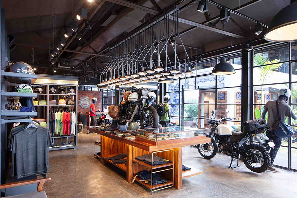 royal-enfield-garage-cafe-Studio-Lotus-AndreJ-Fanthome-07