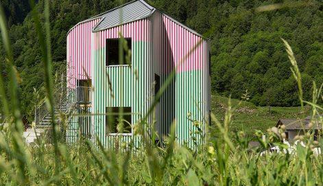 swisshouse-XXXII-davide-macullo-daniel-buren-Alexandre-Zveiger-01