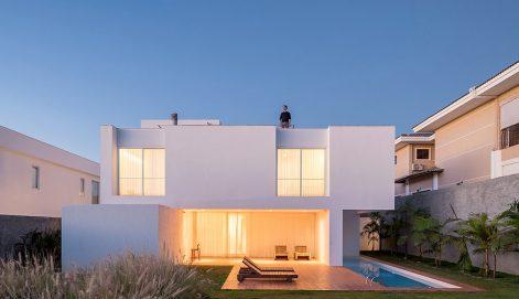 Casa-Morrone-Bloco-Arquitetos-Haruo-Mikami-01
