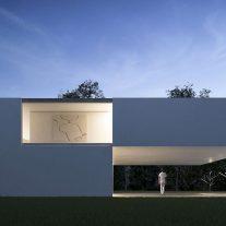 casa-en-el-lago-fran-silvestre-arquitectos-01