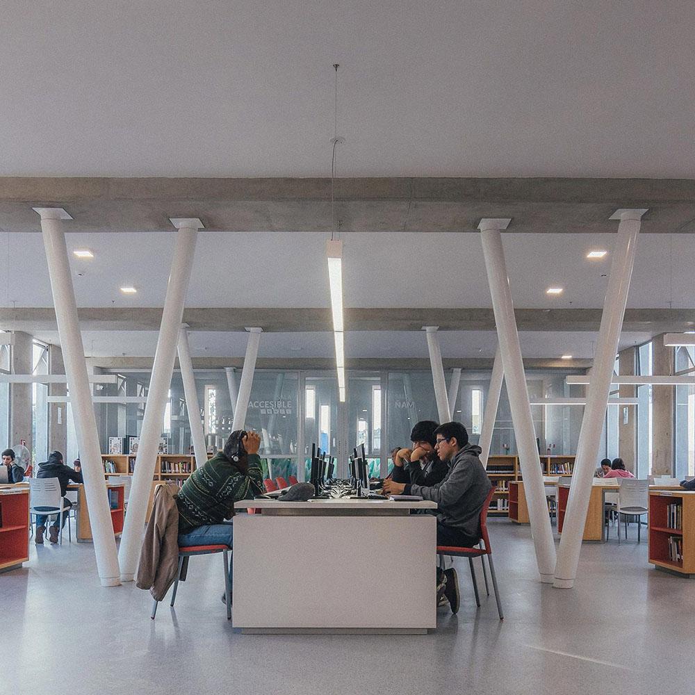 plaza-biblioteca-sur-gonzalez-moix-arquitectura-Ramiro-Del-Carpio-06