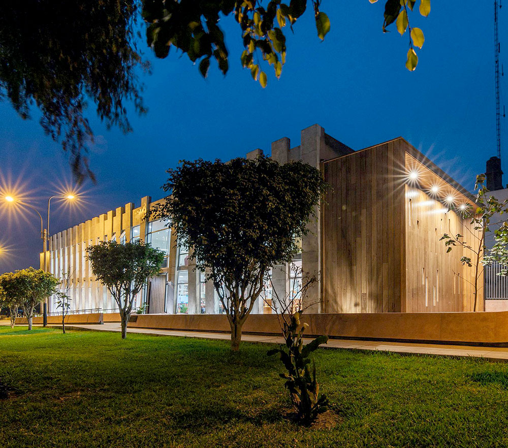 plaza-biblioteca-sur-gonzalez-moix-arquitectura-Ramiro-Del-Carpio-08