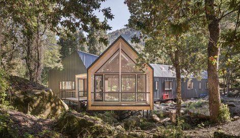 casa-sobre-las-rocas-sgh-arquitectos-nicolas-sanchez-01