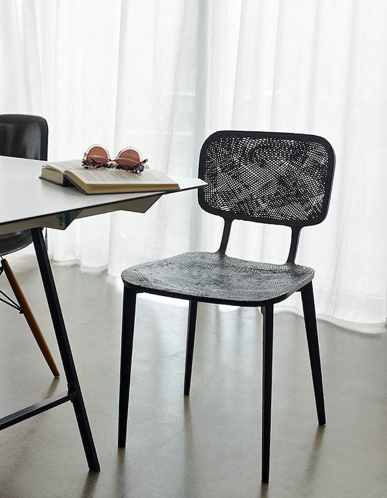 recycled-carbon-chair-marleen-kaptein-01