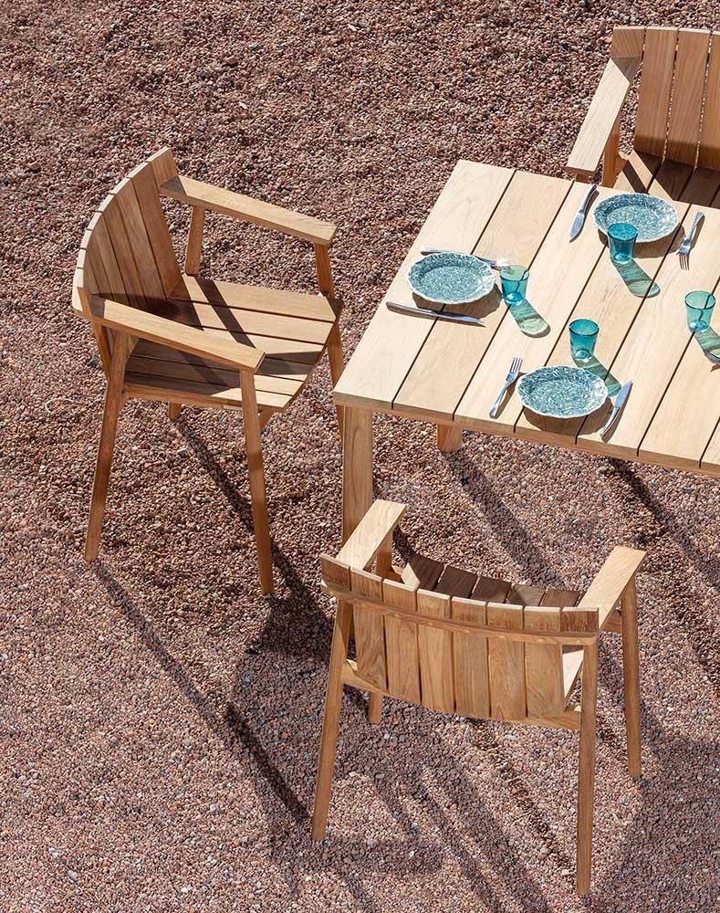 BATTEN Table 100 cm et Fauteuils