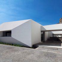 Edificio-Conde-Carreira-Valdemar-Coutinho-Arquitectos-01