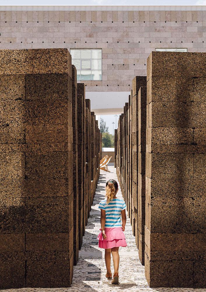 una-plaza-en-verano-promontorio-05