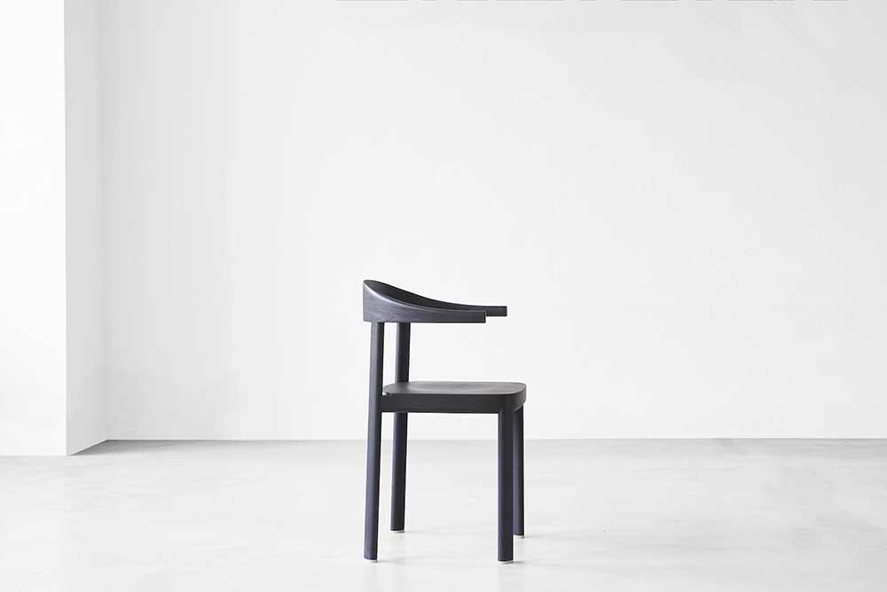 Curv-chair-Jorg-Boner-01