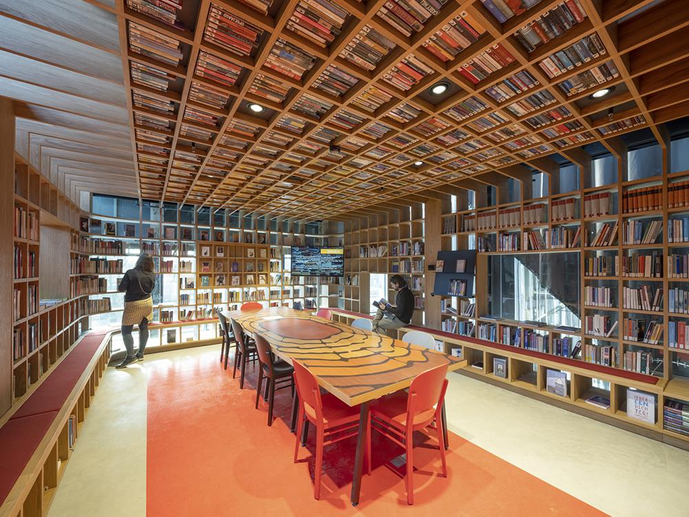 LocHal-Library-Mecanoo-Ossip-Architectuurfotografie-03