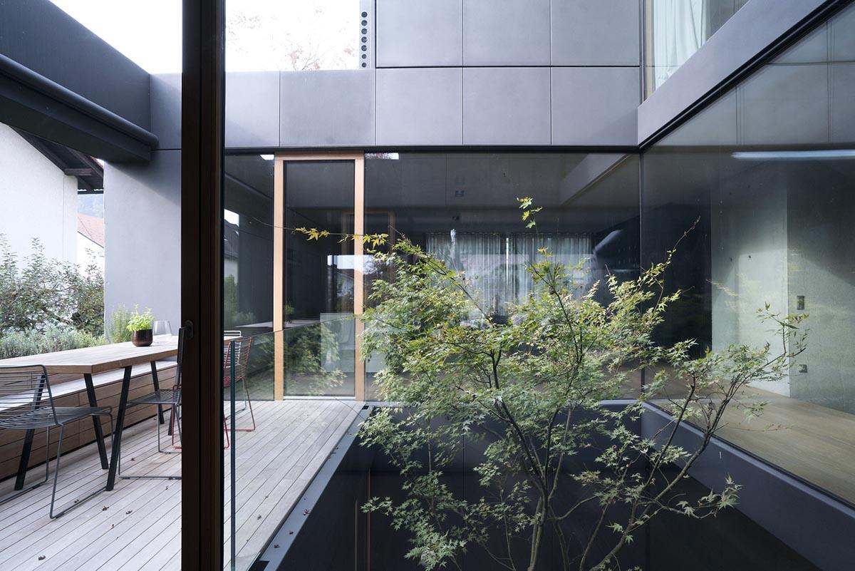 House-Portico-OFIS-Arhitekti-02
