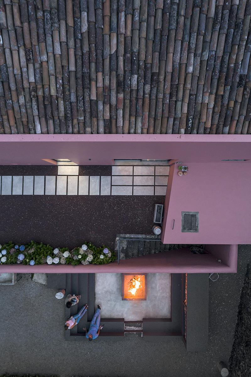 10-pink-house-mezzo-atelier-ph-fernando-guerra