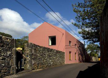 11-pink-house-mezzo-atelier-ph-fernando-guerra