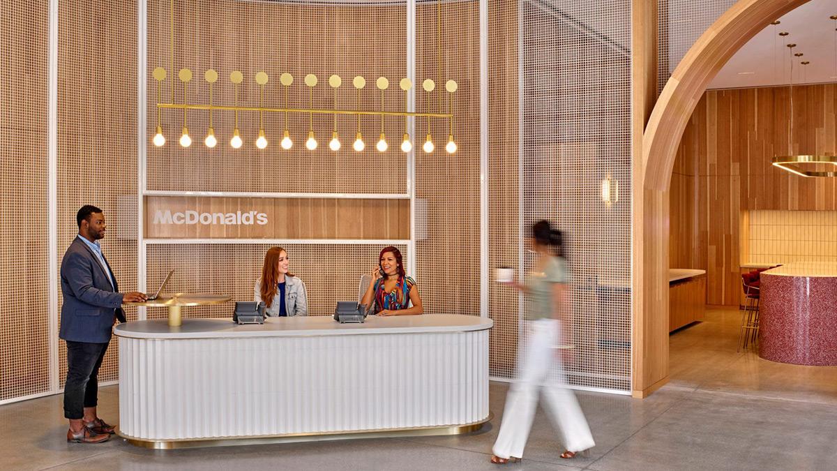 mcdonalds-hq-ia-interior-architects-studio-o-a-01