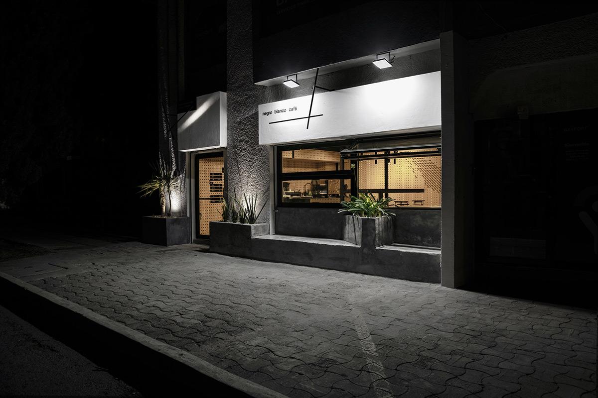 Negro-Blanco-Cafe-Estudio-Yeye-Orlando-Portillo-01