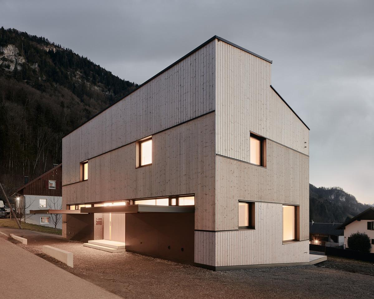 Semi-Detached-House-Hillside-MWArchitekten-01