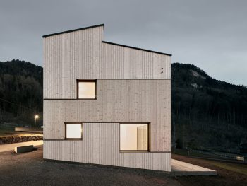 Semi-Detached-House-Hillside-MWArchitekten-08