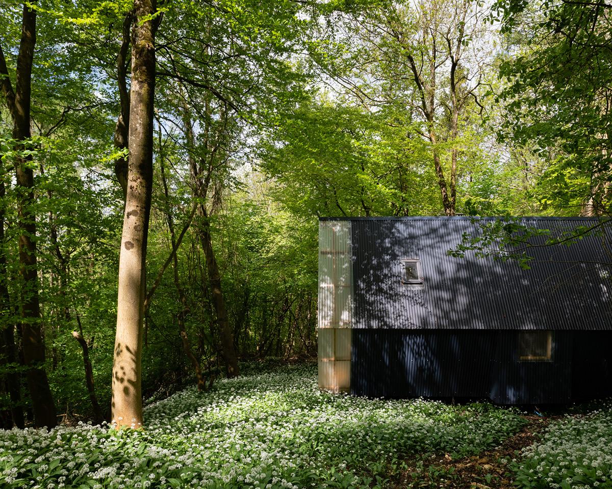 trailer-invisible-studio-foto-jim-stephenson-3