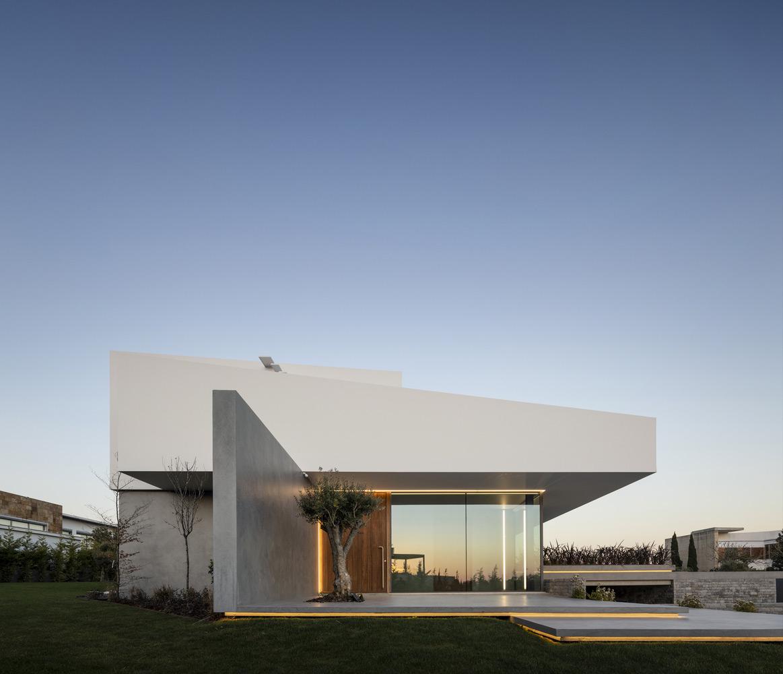 Belas-Clube-Campo-BICA-Arquitectos-Fernando-Guerra-03