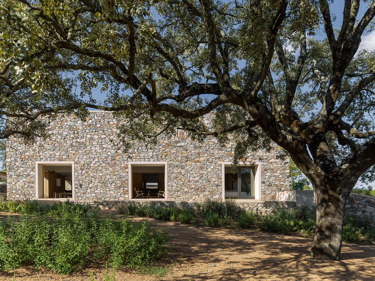 Casa-Piedra-Tunon-Arquitectos-Luis-Asin-06