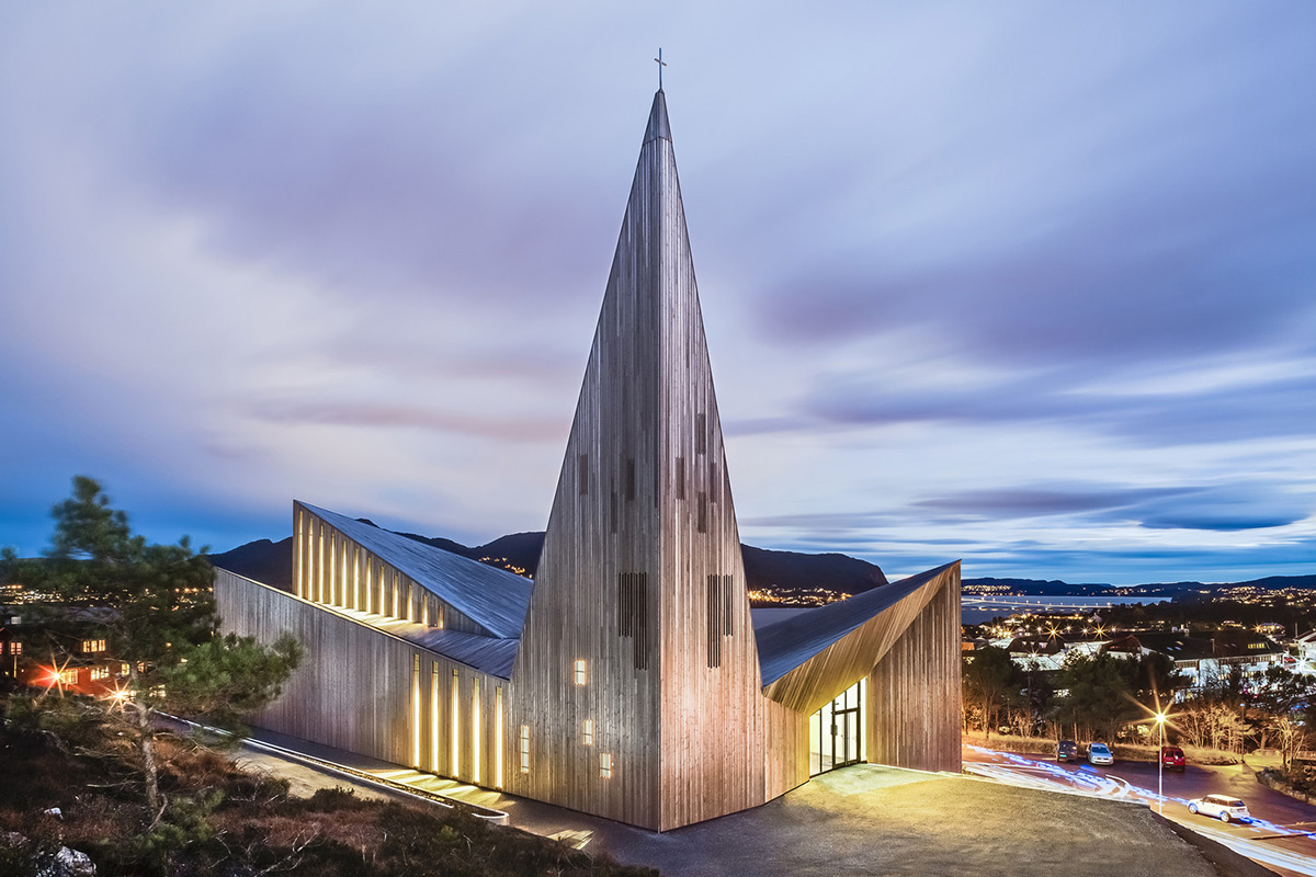 Community-Church-Knarvik-Reiulf-Ramstad-Arkitekter-01