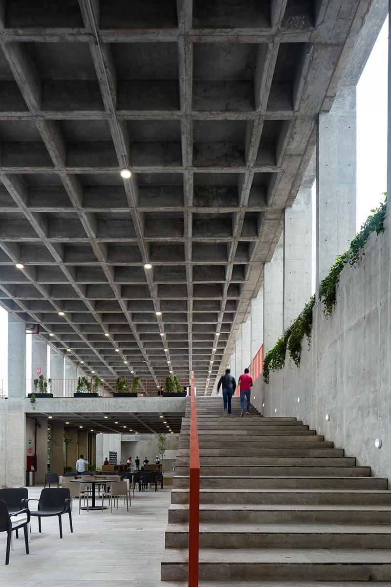 Escuela-Bancaria-Comercial-Ignacio-Urquiza-Bernardo-Quinzanos-Centro-Colaboracion-Arquitectonica-06