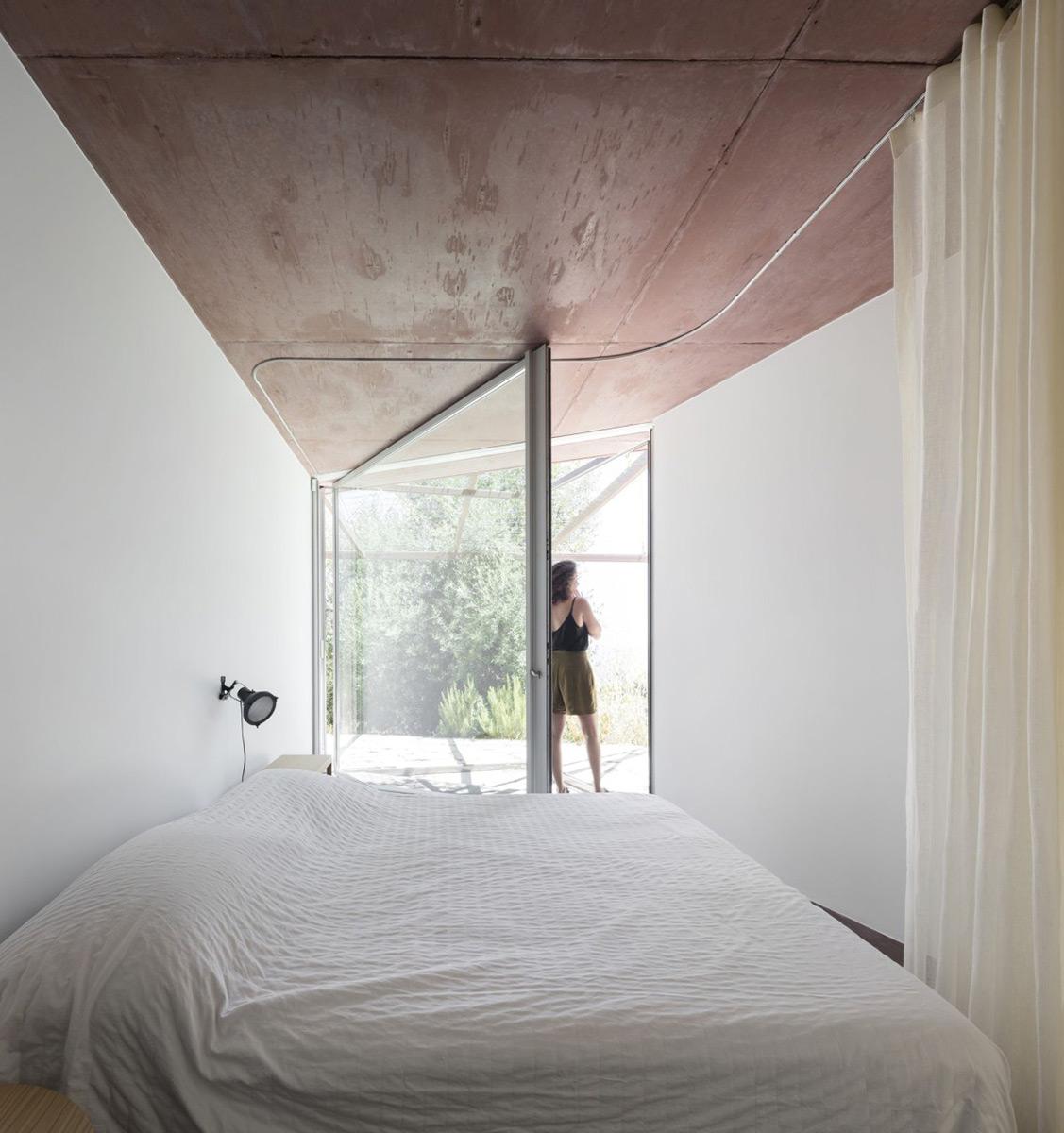 Twin-Houses-extrastudio-Fernando-Guerra-03