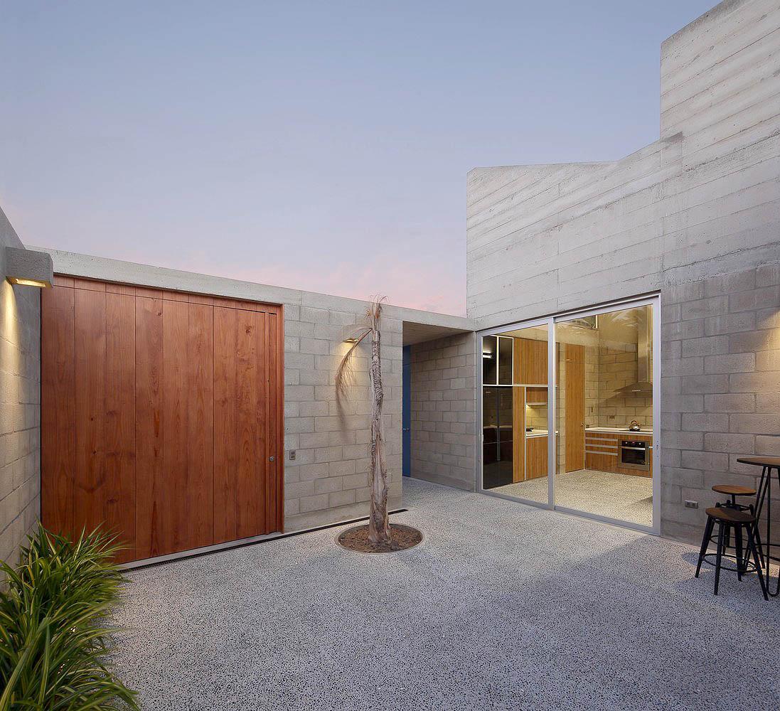 Casa-Paracas-II-Llosa-Cortegana-Arquitectos-07