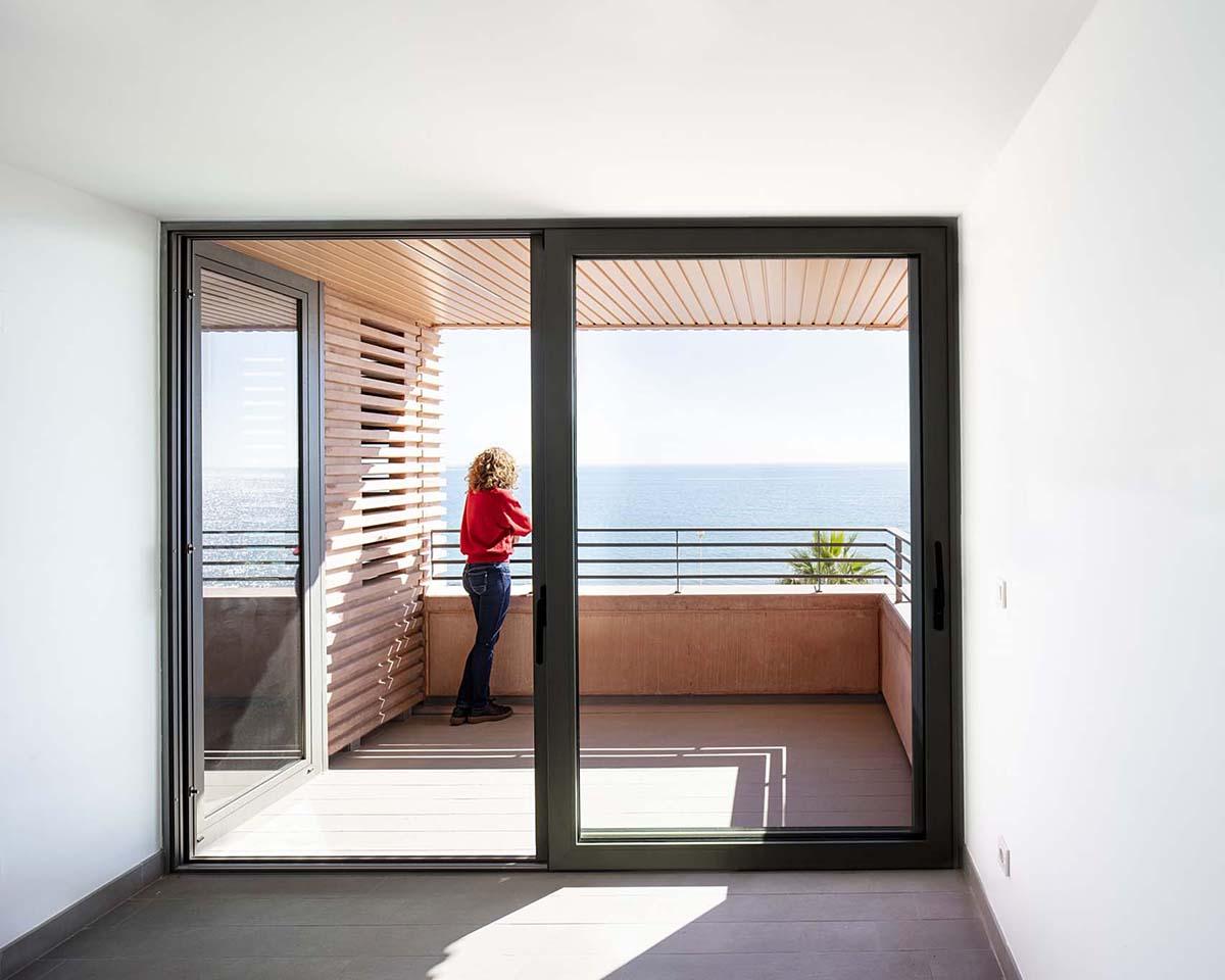 Edificio-73-viviendas-alquiler-Munoz-Miranda-Architects-06