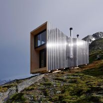 On-Mountain-Hut-Thilo-Alex-Brunner-02