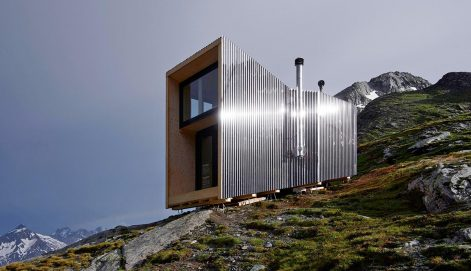 On-Mountain-Hut-Thilo-Alex-Brunner-02