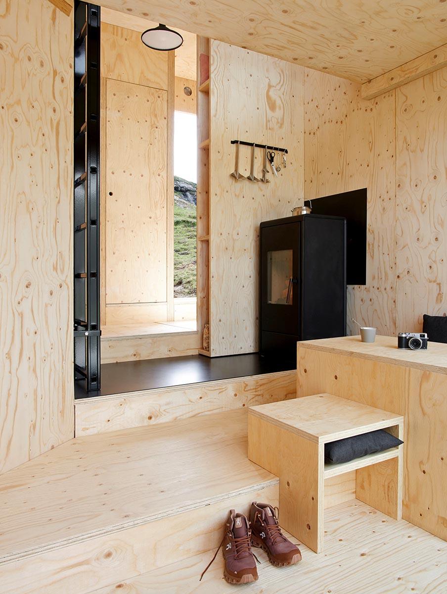 On-Mountain-Hut-Thilo-Alex-Brunner-05