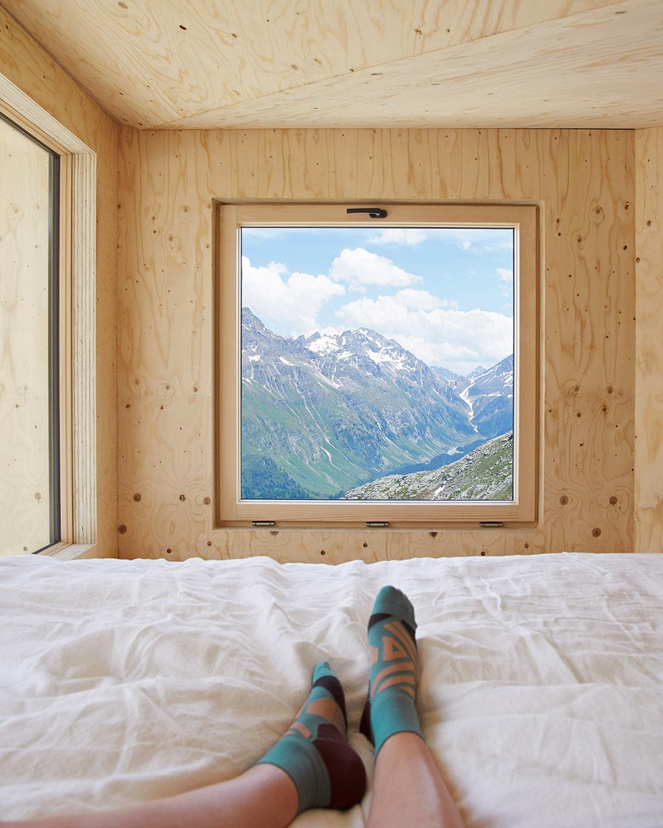 On-Mountain-Hut-Thilo-Alex-Brunner-07