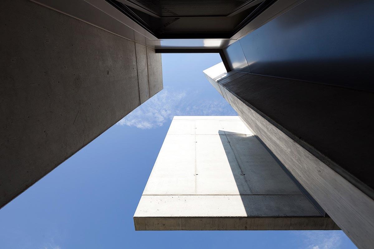 Swiss-House-XXXIV-Davide-Macullo-Architects-Alexandre-Zveiger-03