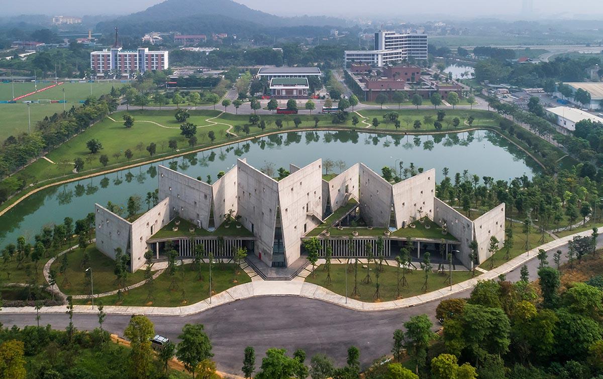 Viettel-Offsite-Studio-Vo-Trong-Nghia-Architects-Hiroyuki-Oki-01