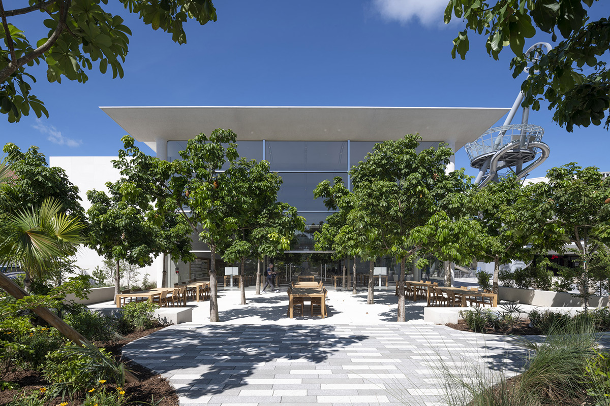 Apple-Aventura-Foster-Partners-02