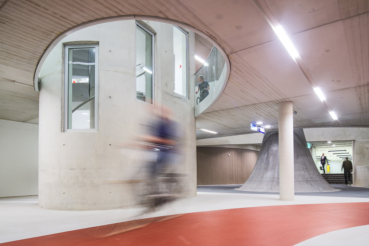 Utrecht-Bicycle-Parking-Ector-Hoogstad-Architecten-Petra-Appelhof-01
