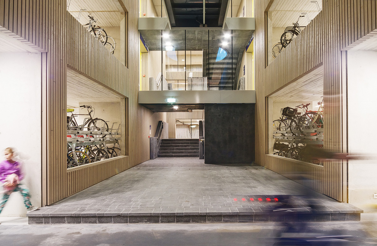 Utrecht-Bicycle-Parking-Ector-Hoogstad-Architecten-Petra-Appelhof-02