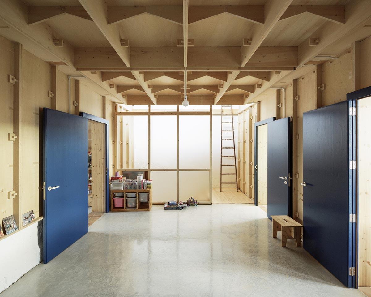 Casa-Plynwood-Feina-Studio-Luis-Diaz-Diaz-01