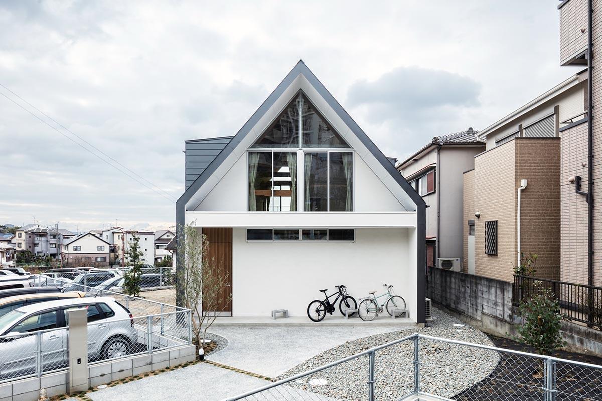 House-Tsukawaki-Horibe-Associates-01