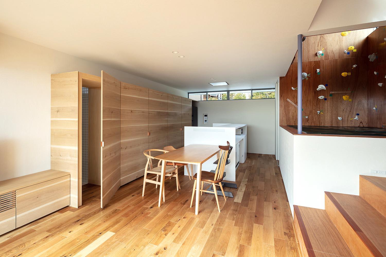 House-Tsukawaki-Horibe-Associates-03
