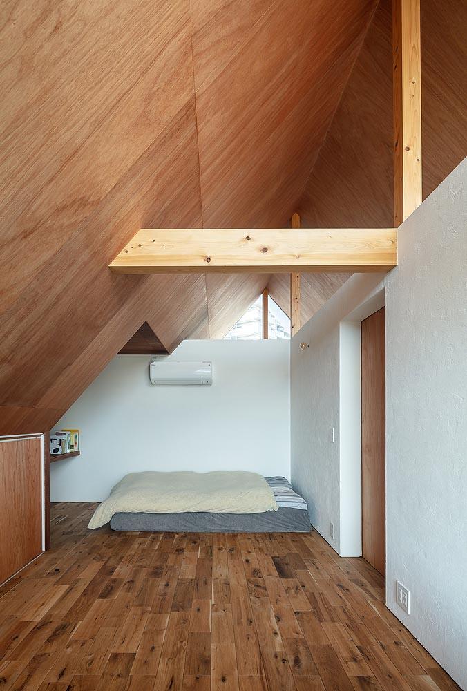 House-Tsukawaki-Horibe-Associates-05