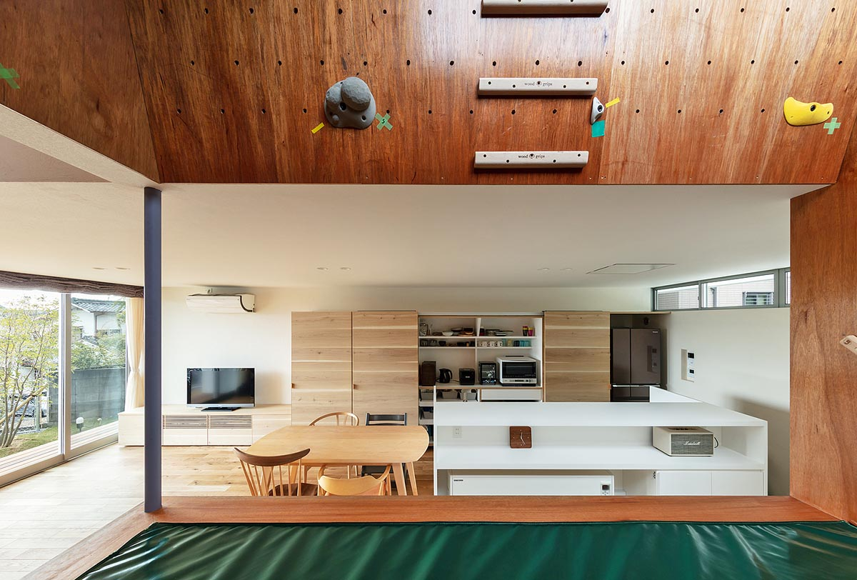 House-Tsukawaki-Horibe-Associates-08