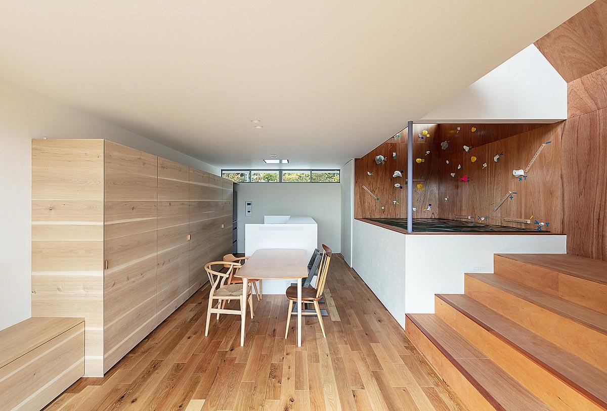 House-Tsukawaki-Horibe-Associates-09