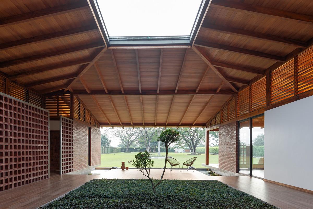 La-casa-silencio-Natura-Futura-Arquitectura-Lorena-Darquea-03